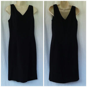 Maggy London dress LBD Sz 8 Black V-neck Evening